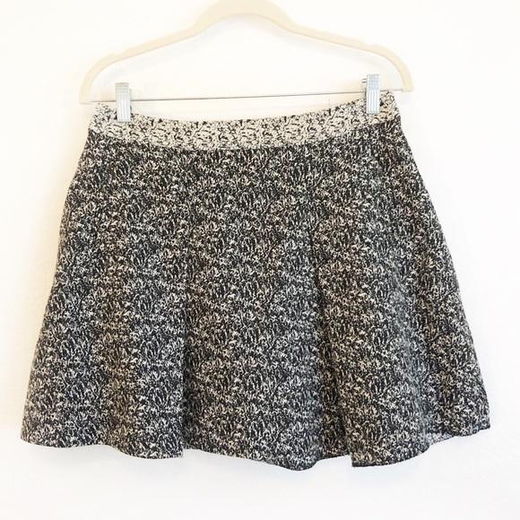 Banana Republic Dresses & Skirts - Banana Republic Pleated Tweed Mini Skirt